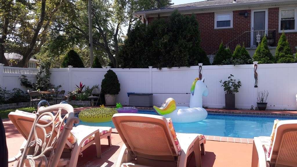 Powells Cove Park - park  | Photo 7 of 10 | Address: 130th St, Whitestone, NY 11357, USA