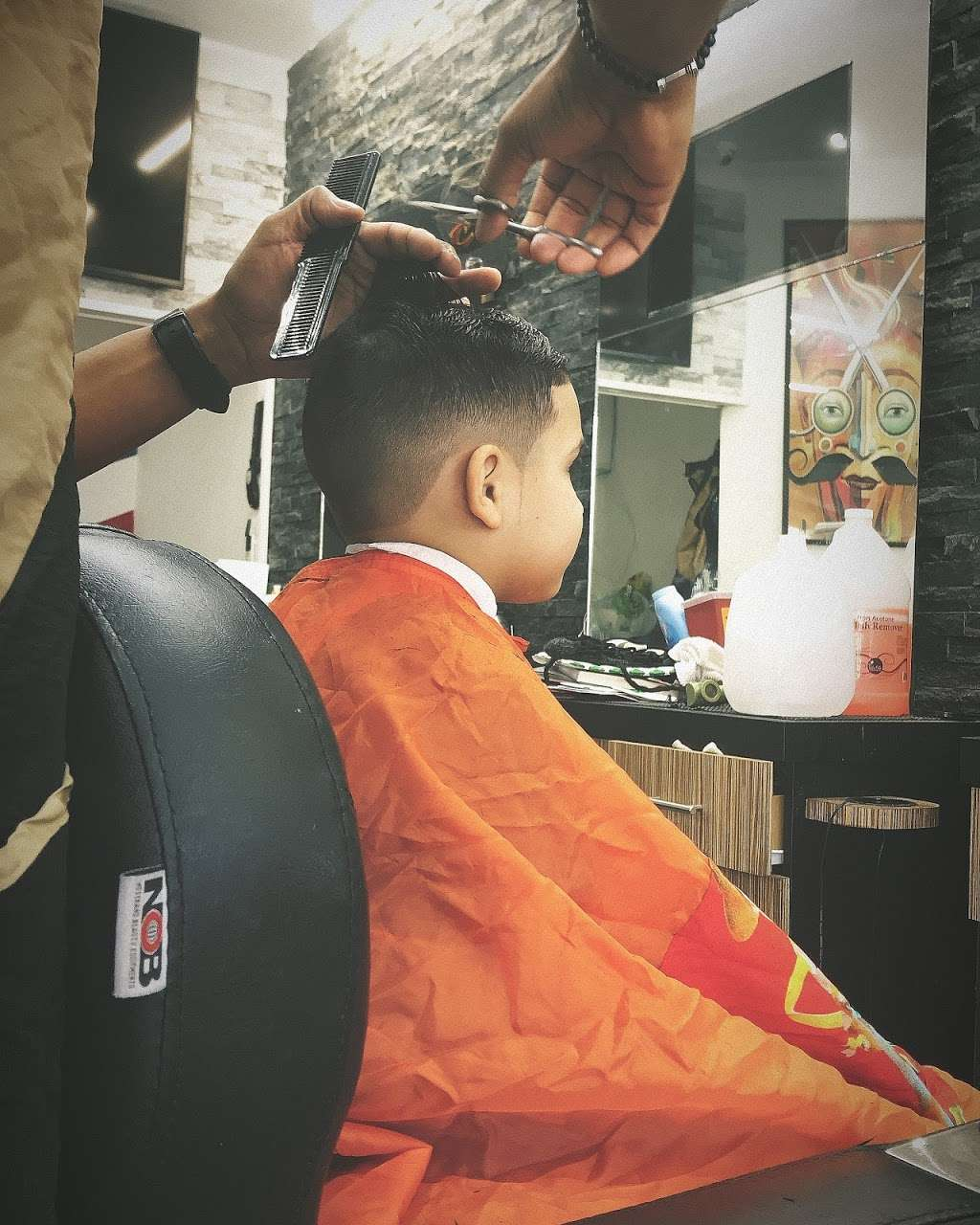 High Qualitys Barber Shop - hair care  | Photo 7 of 10 | Address: 390 E Tremont Ave, Bronx, NY 10457, USA | Phone: (347) 990-7997
