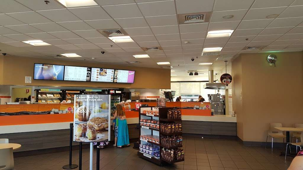 Dunkin - bakery  | Photo 5 of 15 | Address: 61 Main St, Salisbury, MA 01952, USA | Phone: (978) 462-1189