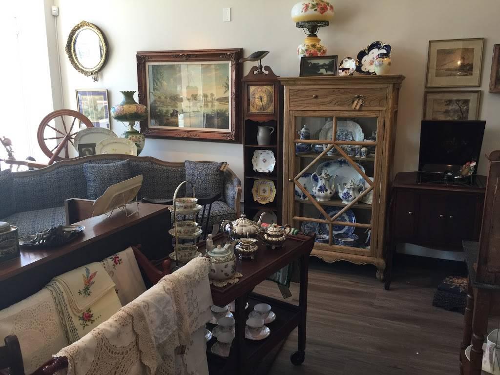 Michelles Antiques Inc. - home goods store    Photo 10 of 10   Address: 3710 Main St #104, Niagara Falls, ON L2G 6B1, Canada   Phone: (289) 296-0000