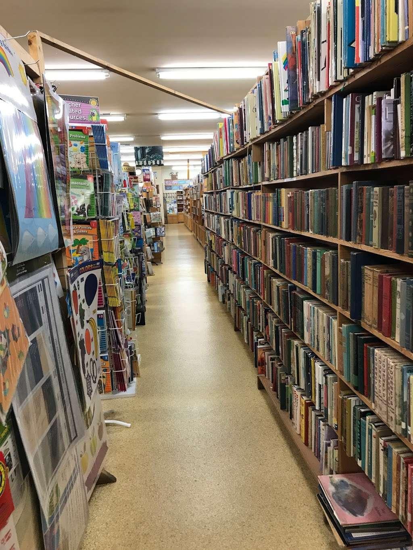 Clay Book Store - book store  | Photo 2 of 10 | Address: 2450 W Main St, Ephrata, PA 17522, USA | Phone: (717) 733-7253