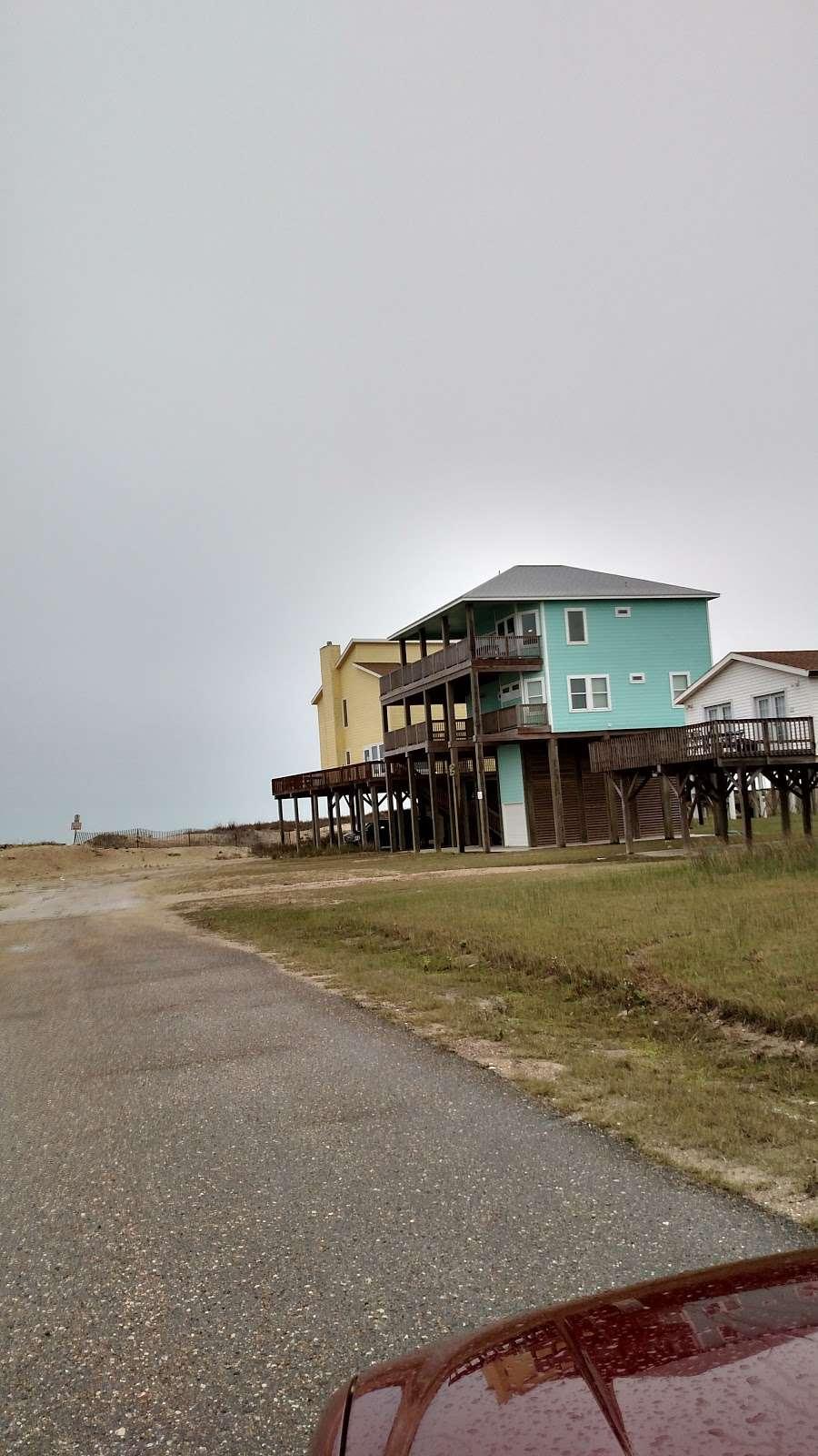 Hunts Treasure Beach House - real estate agency  | Photo 3 of 10 | Address: 12923 Jolly Roger Dr, Freeport, TX 77541, USA | Phone: (888) 573-4868