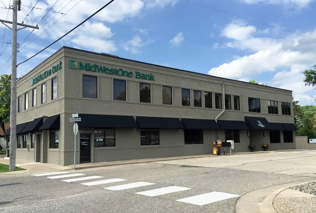 MidWestOne Bank - bank  | Photo 1 of 1 | Address: 2104 Hastings Ave, Newport, MN 55055, USA | Phone: (651) 256-7250