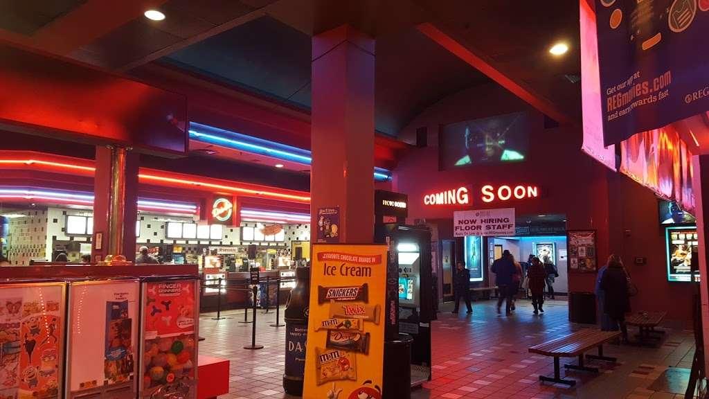regal cinemas edgmont square 10 4777 west chester pike newtown square pa 19073 usa regal cinemas edgmont square 10 4777