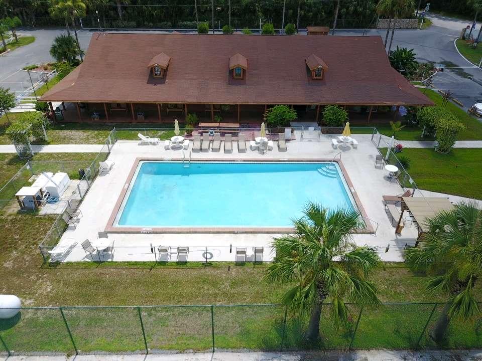 The Springs RV Resort - rv park  | Photo 2 of 10 | Address: 2950 NE 52nd Ct, Silver Springs, FL 34488, USA | Phone: (352) 236-5250