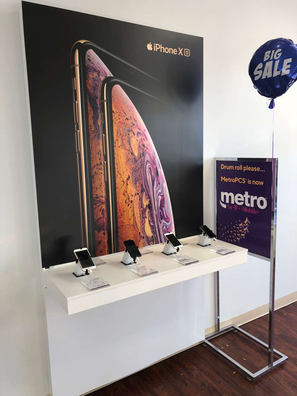 Metro by T-Mobile - electronics store  | Photo 7 of 10 | Address: 500 S River St, Hackensack, NJ 07601, USA | Phone: (201) 373-1000
