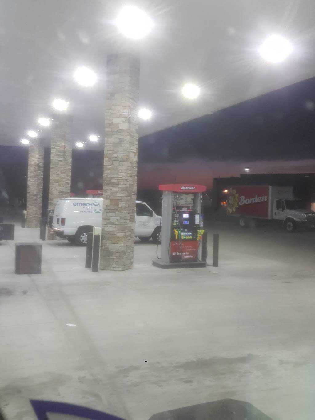 RaceTrac - gas station  | Photo 7 of 10 | Address: 840 W Exchange Pkwy, Allen, TX 75013, USA | Phone: (214) 383-9793