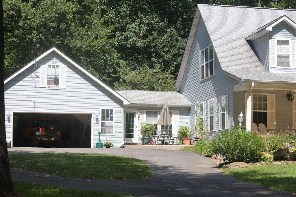 The Black Sheep Inn - lodging  | Photo 2 of 5 | Address: 14555 Lee Highway, Amissville, VA 20106, Amissville, VA 20106, USA | Phone: (540) 222-2021