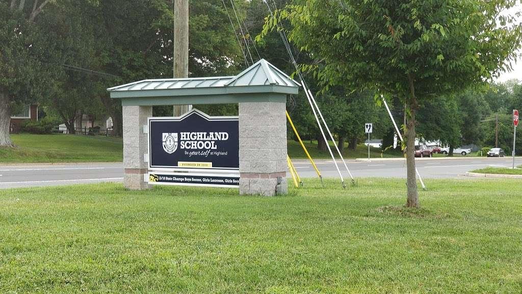 Highland School - school  | Photo 4 of 10 | Address: 597 Broadview Ave, Warrenton, VA 20186, USA | Phone: (540) 878-2700