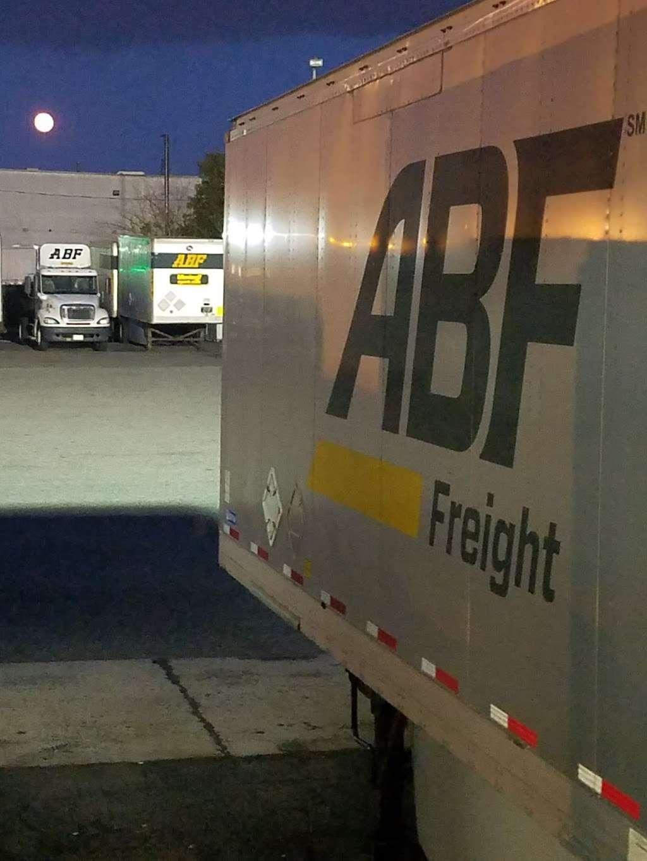 ABF Freight - moving company  | Photo 1 of 4 | Address: 21 Engelhard Ave, Avenel, NJ 07001, USA | Phone: (732) 382-9806