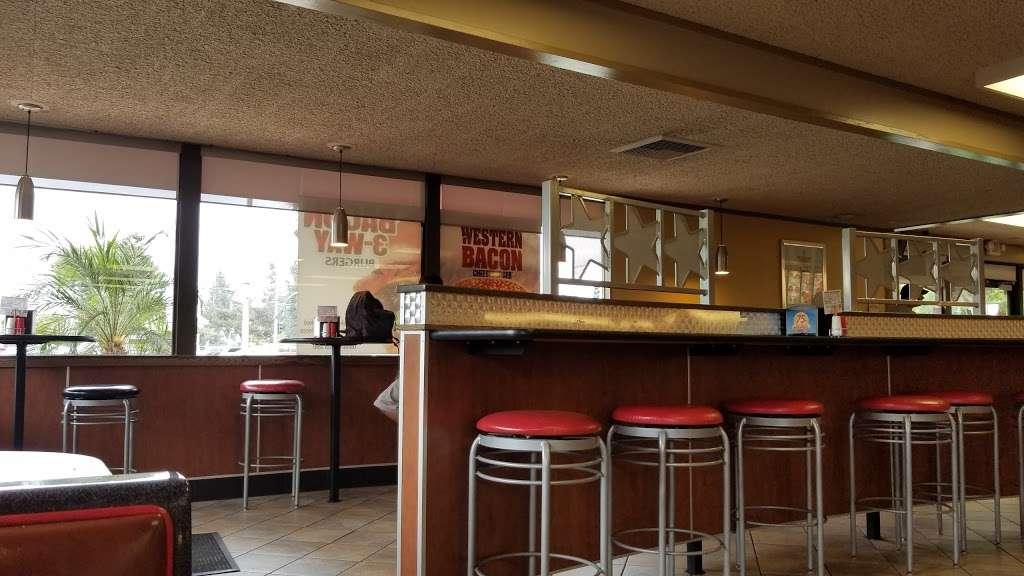 Carls Jr. - restaurant  | Photo 5 of 10 | Address: 2556 Euclid Ave, Ontario, CA 91762, USA | Phone: (909) 984-1871