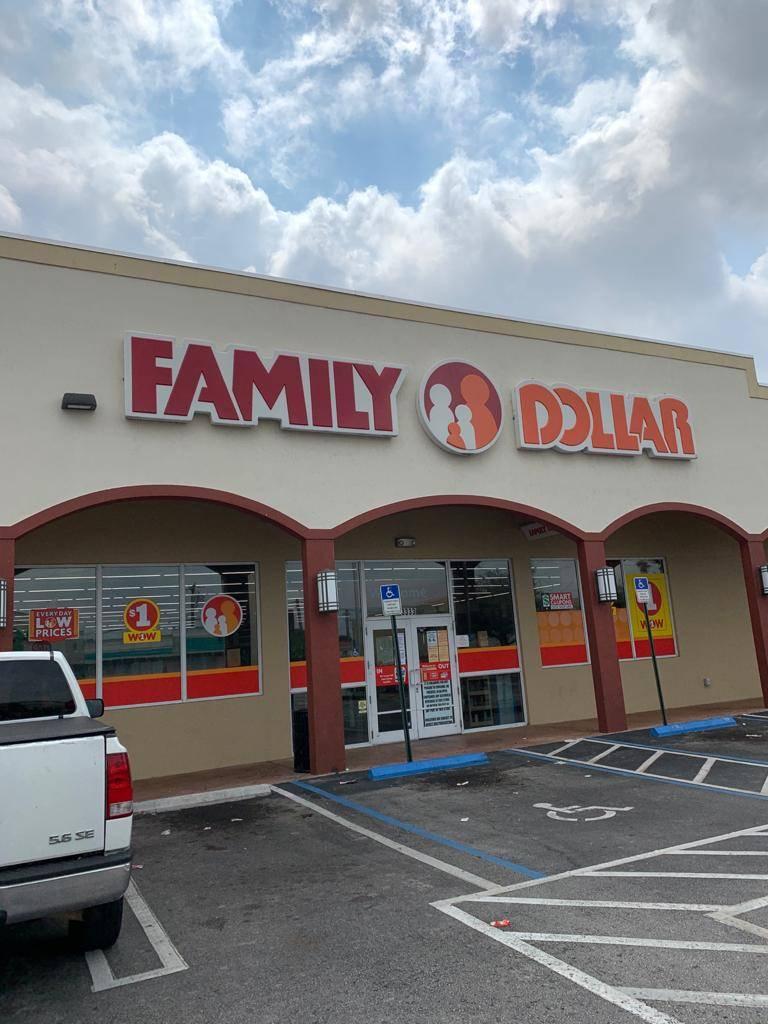 Family Dollar - supermarket  | Photo 1 of 7 | Address: 3333 Palm Ave, Hialeah, FL 33012, USA | Phone: (786) 988-6189