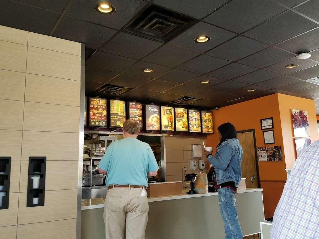 Taco Bell - meal takeaway    Photo 9 of 10   Address: 8215 Wornall Rd, Kansas City, MO 64114, USA   Phone: (816) 361-4606