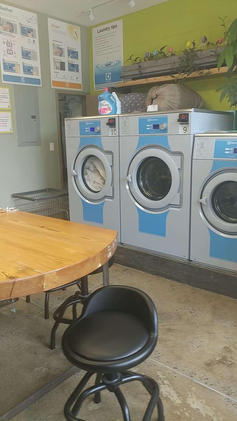 Lemon Laundry - laundry  | Photo 8 of 10 | Address: 60-11 39th Ave, Woodside, NY 11377, USA | Phone: (917) 832-7407