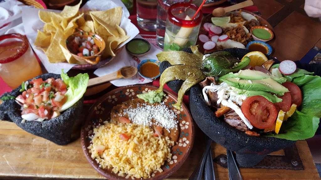 Charritos Weehawken - restaurant  | Photo 9 of 10 | Address: 974 John Fitzgerald Kennedy Blvd, Weehawken, NJ 07086, USA | Phone: (201) 330-1130