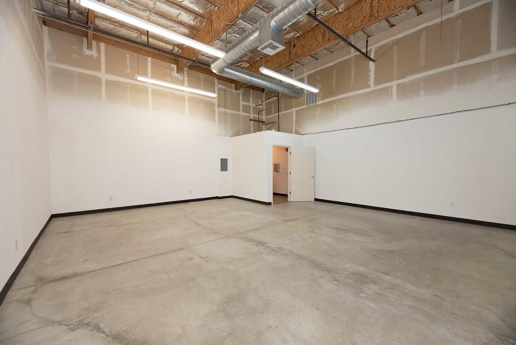 Roseville Bus Park Leasing Office - real estate agency  | Photo 9 of 10 | Address: 951 Washington Blvd, Roseville, CA 95678, USA | Phone: (916) 781-3566