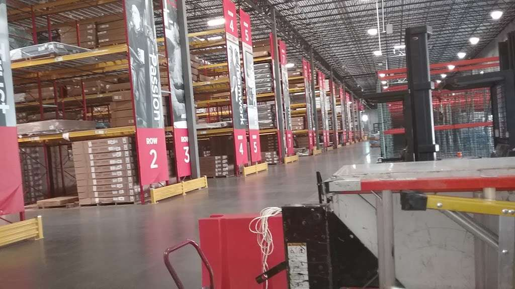 Mattress Firm Distribution Center - storage  | Photo 4 of 10 | Address: 15872 Diplomatic Plaza Dr, Houston, TX 77032, USA | Phone: (281) 929-7590