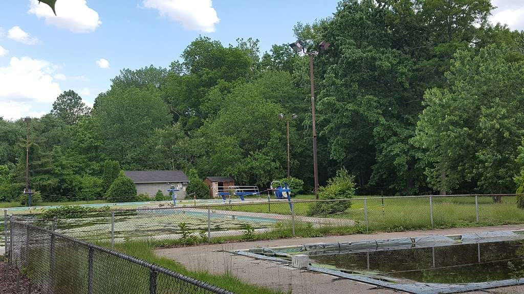 Vivyen Field - park    Photo 2 of 10   Address: 299 N Vivyen St, Bergenfield, NJ 07621, USA