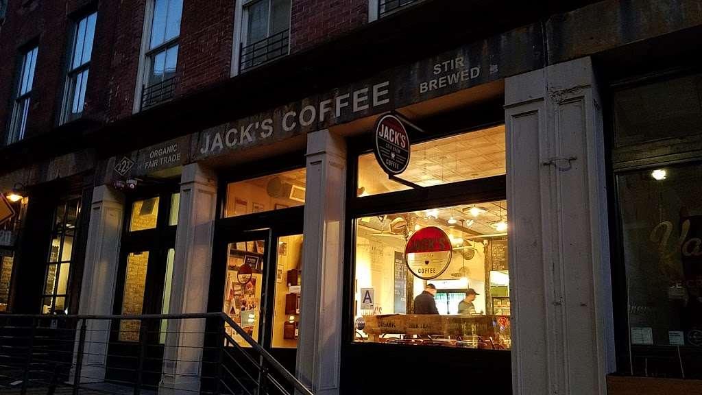 Jack's Stir Brew Coffee - cafe  | Photo 4 of 10 | Address: 222 Front St, New York, NY 10038, USA | Phone: (212) 227-7631