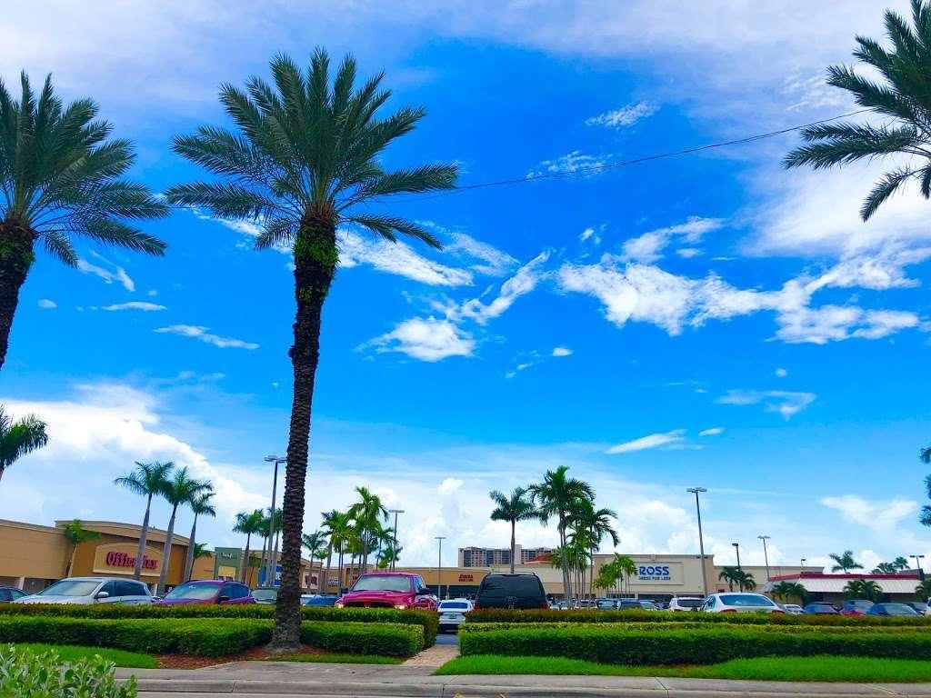 RK Causeway Plaza - shopping mall  | Photo 5 of 10 | Address: 12295 Biscayne Blvd, North Miami, FL 33181, USA | Phone: (305) 949-4110
