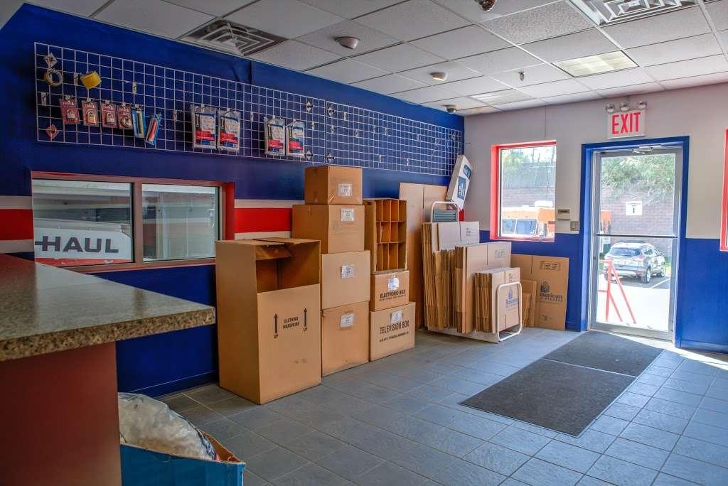 American Self Storage - moving company  | Photo 2 of 10 | Address: 330 Tompkins Ave, Staten Island, NY 10304, USA | Phone: (646) 569-9770