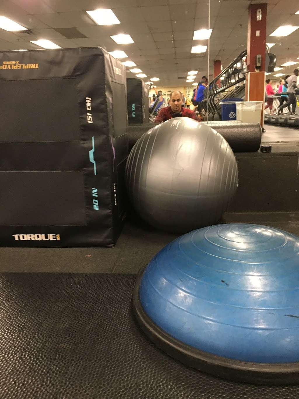 24 Hour Fitness - gym  | Photo 4 of 10 | Address: 589 Tuckahoe Rd, Yonkers, NY 10710, USA | Phone: (914) 793-3100