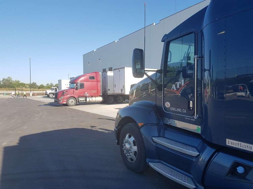Amazon Fulfillment Center - MDW7 - storage  | Photo 6 of 10 | Address: 6605 W Monee Manhattan Rd, Monee, IL 60449, USA | Phone: (206) 266-1000