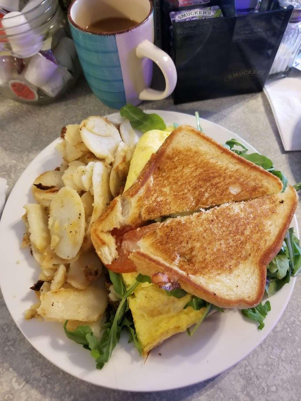 Annamaries Place - restaurant  | Photo 2 of 10 | Address: 347 Main St, Royersford, PA 19468, USA | Phone: (610) 948-0590