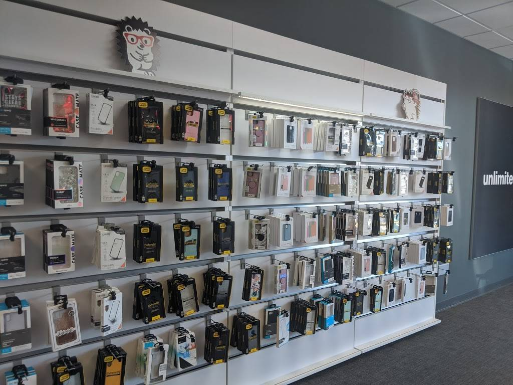 Verizon Authorized Retailer - Russell Cellular - electronics store  | Photo 4 of 9 | Address: 5227 N Antioch Rd, Kansas City, MO 64119, USA | Phone: (816) 359-3330