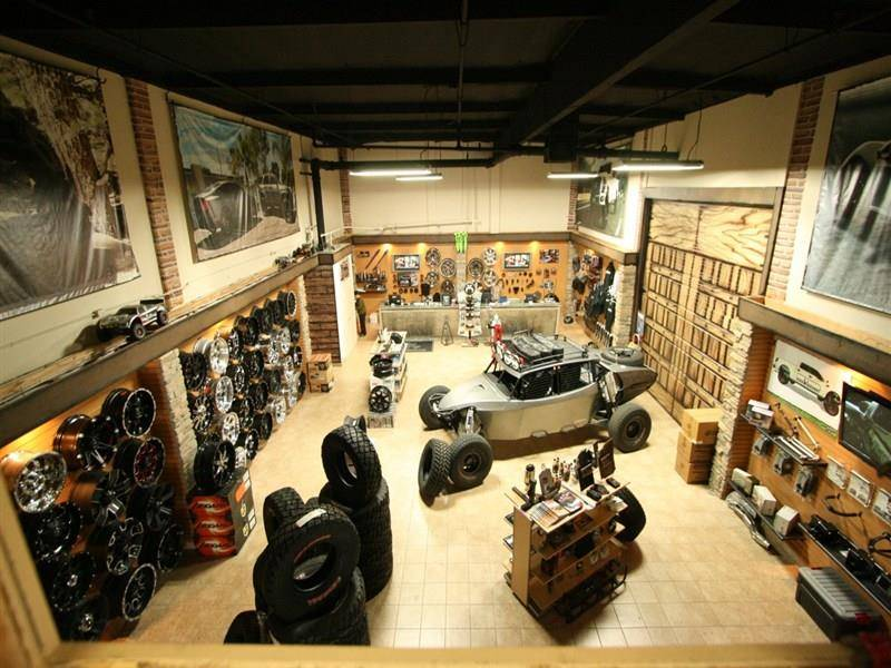 Outlaw Offroad/Off The Grid Equipt - car repair    Photo 8 of 10   Address: 1701 Carnegie Ave, Santa Ana, CA 92705, USA   Phone: (949) 581-5001