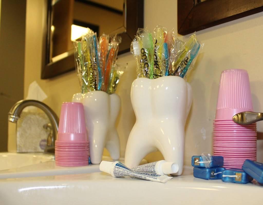 Arizona Orthodontic Centers - dentist    Photo 8 of 10   Address: 4130 N 108th Ave # 103, Phoenix, AZ 85037, USA   Phone: (623) 877-8500