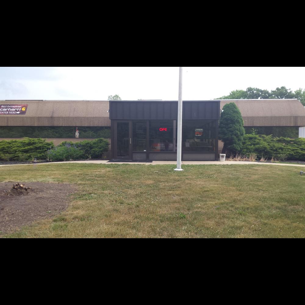 B & S Enterprises - clothing store    Photo 8 of 10   Address: 1280 Porter Rd, Bear, DE 19701, USA   Phone: (302) 834-8337