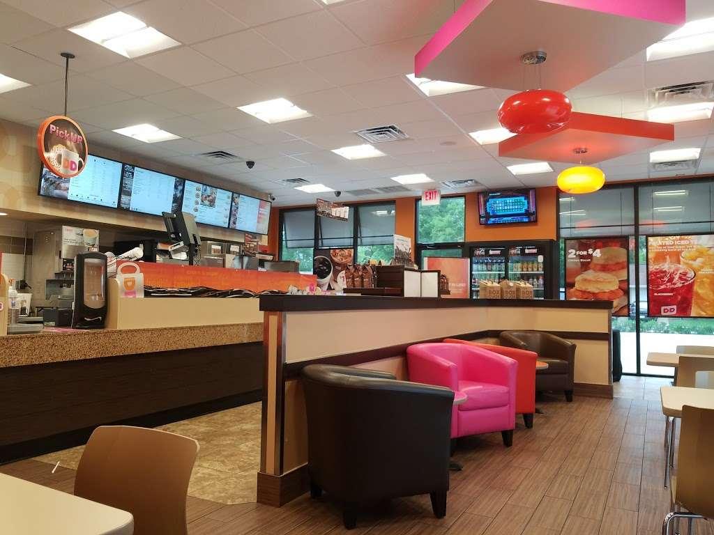 Dunkin Donuts - cafe  | Photo 4 of 10 | Address: 1525 Bay Area Blvd, Houston, TX 77058, USA | Phone: (832) 240-4477