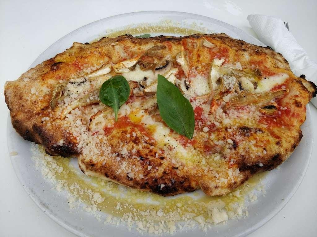 Da Moreno Pizzeria - meal takeaway  | Photo 1 of 10 | Address: 190 Northfield Ave, London W13 9SJ, UK | Phone: 020 8579 8905