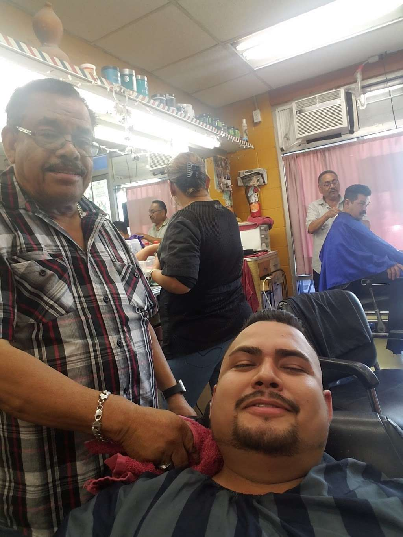Julio Barber Shop El Senor - hair care    Photo 4 of 4   Address: 4402 S Main St, Los Angeles, CA 90037, USA   Phone: (323) 235-0264