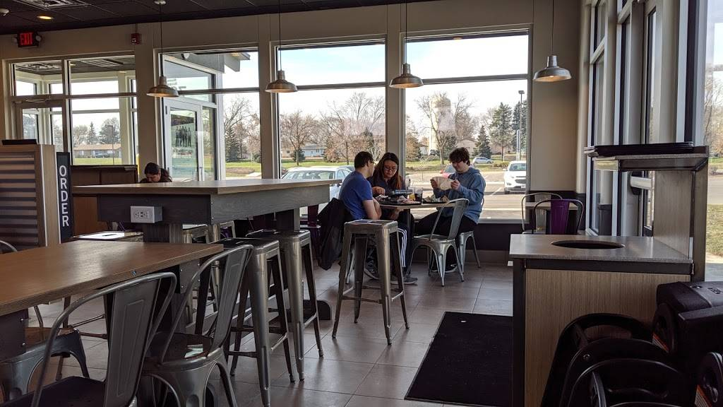 Taco Bell - meal takeaway  | Photo 7 of 10 | Address: 7049 10th St N, Oakdale, MN 55128, USA | Phone: (763) 273-5504