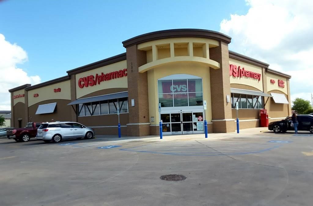 CVS - convenience store    Photo 1 of 10   Address: 200 Cibolo Valley Dr, Cibolo, TX 78108, USA   Phone: (210) 566-1585