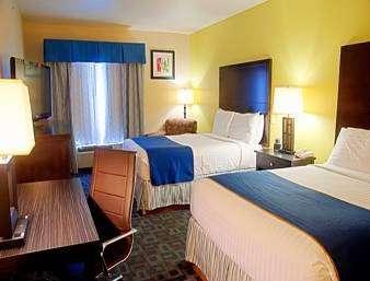 Super 8 by Wyndham Irving/DFW Apt/North - lodging  | Photo 2 of 10 | Address: 4770 W John Carpenter Fwy, Irving, TX 75063, USA | Phone: (214) 441-9000