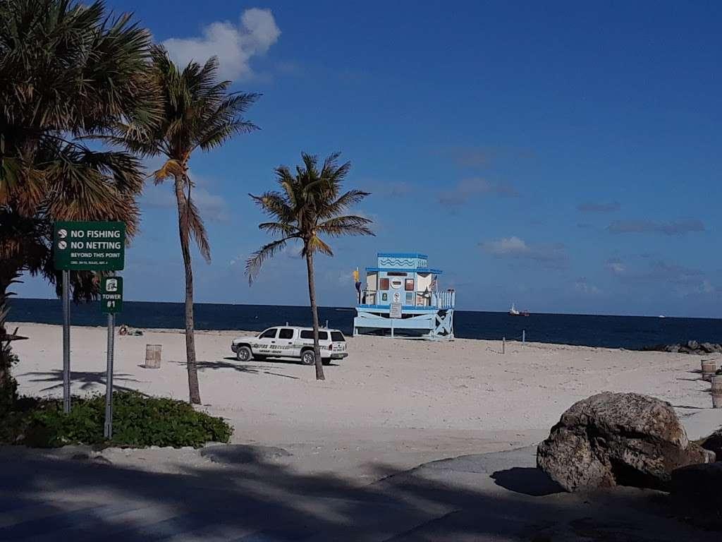 Haulover Park Bayside Picnic Area - park  | Photo 1 of 10 | Address: 13401 Collins Ave, Miami Beach, FL 33154, USA