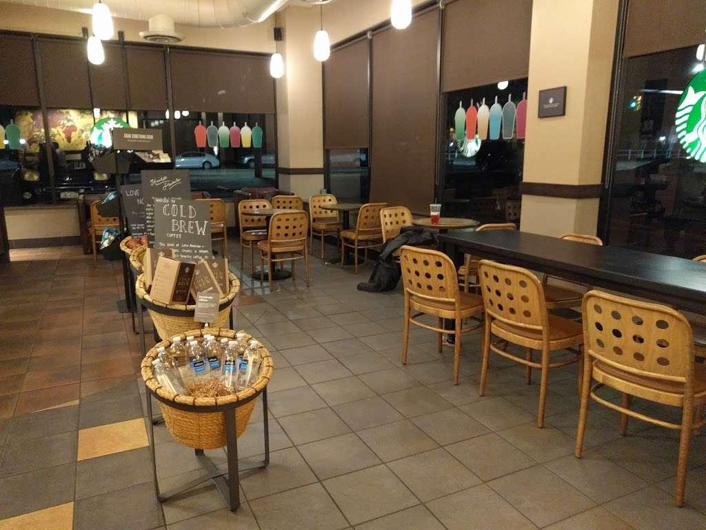 Starbucks - cafe  | Photo 6 of 10 | Address: 1336 Peninsula Blvd, Hewlett, NY 11557, USA | Phone: (516) 295-3330
