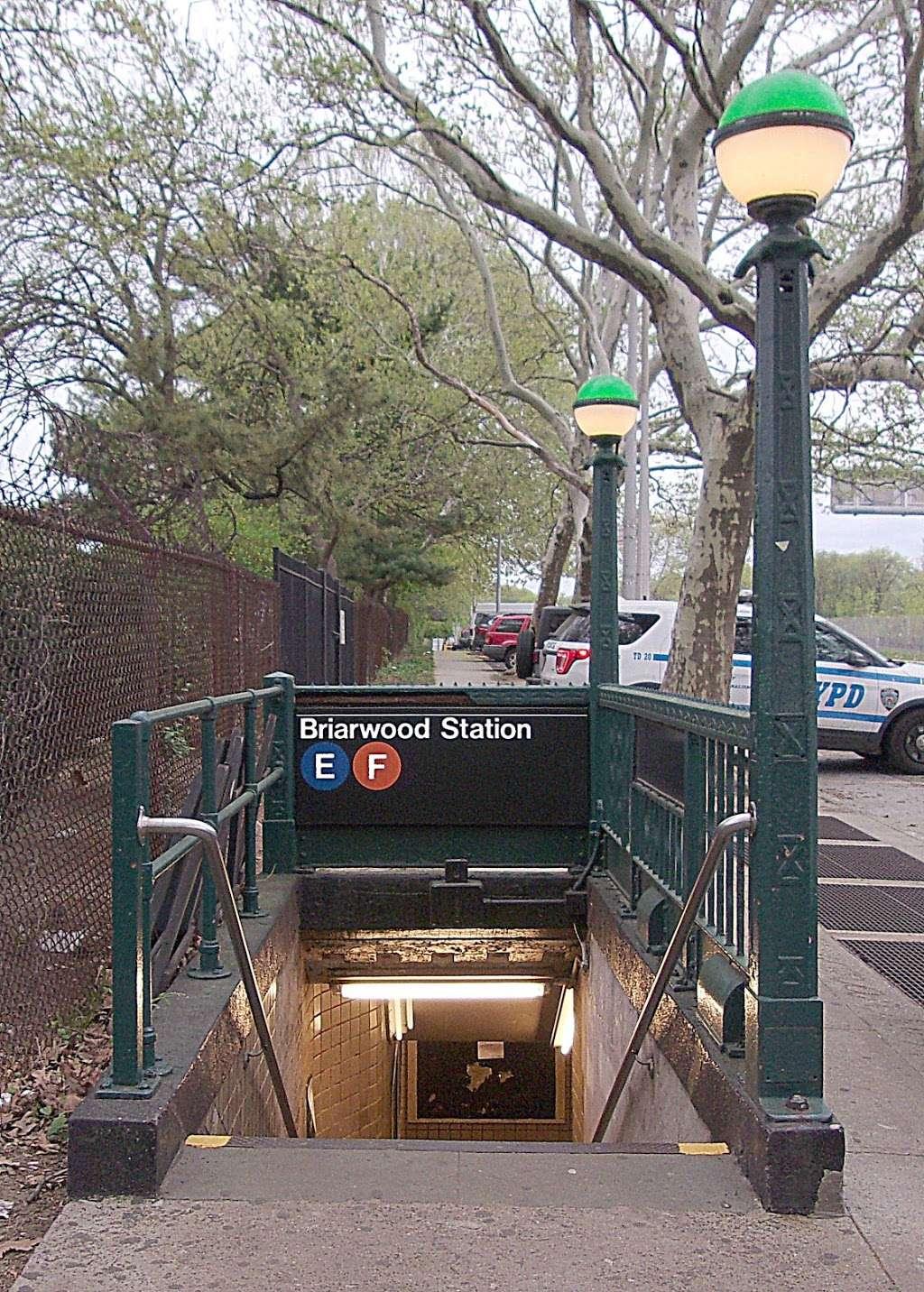 Briarwood - Van Wyck Blvd - subway station    Photo 10 of 10   Address: &, Queens Blvd & Main St, Briarwood, NY 11435, USA