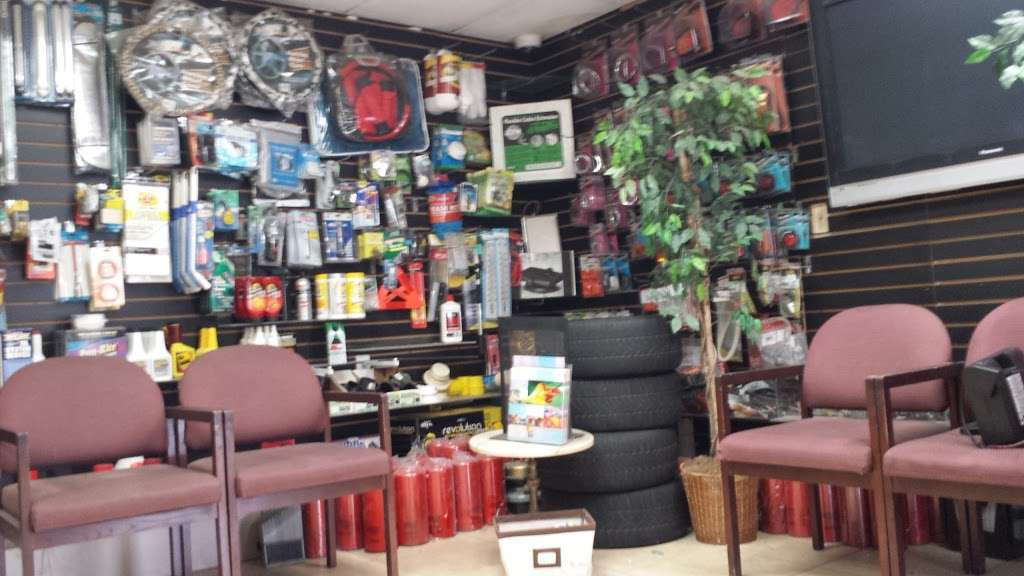 Simi Center - car repair  | Photo 5 of 10 | Address: 75 W Easy St, Simi Valley, CA 93065, USA | Phone: (805) 526-2002