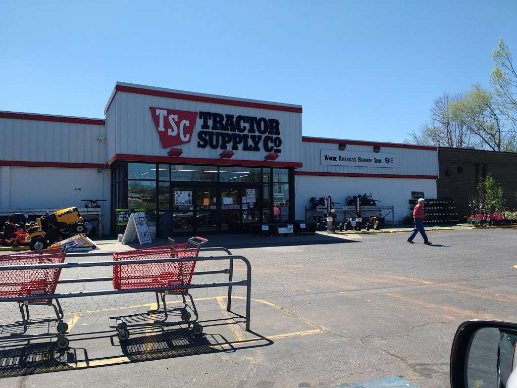 Tractor Supply Co. - hardware store  | Photo 3 of 10 | Address: 3250 US Hwy 70 SE, Newton, NC 28658, USA | Phone: (828) 466-3666