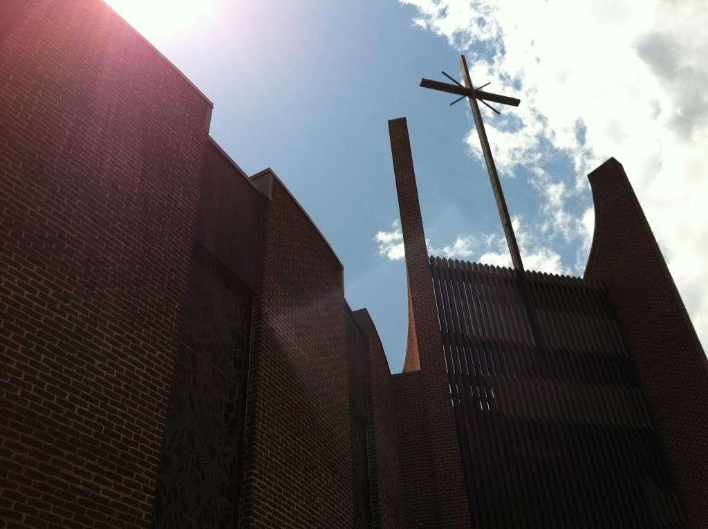 St. Frances de Chantal Church - church  | Photo 2 of 2 | Address: 190 Hollywood Ave, Bronx, NY 10465, USA | Phone: (718) 792-5500