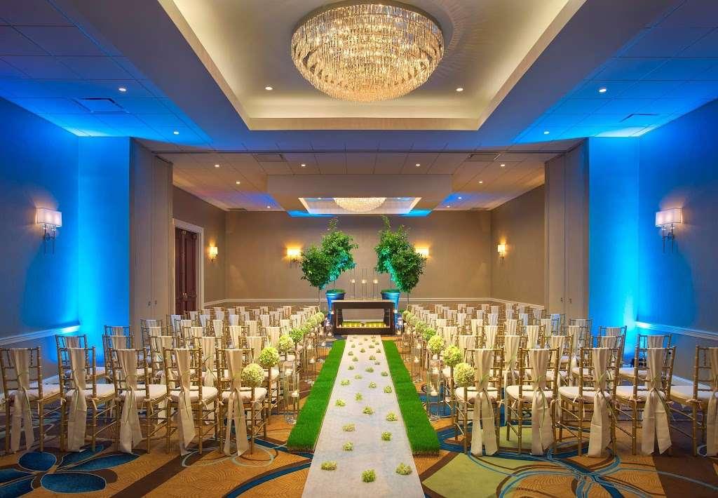 Teaneck Marriott at Glenpointe - lodging  | Photo 8 of 10 | Address: 100 Frank W Burr Blvd, Teaneck, NJ 07666, USA | Phone: (201) 836-0600
