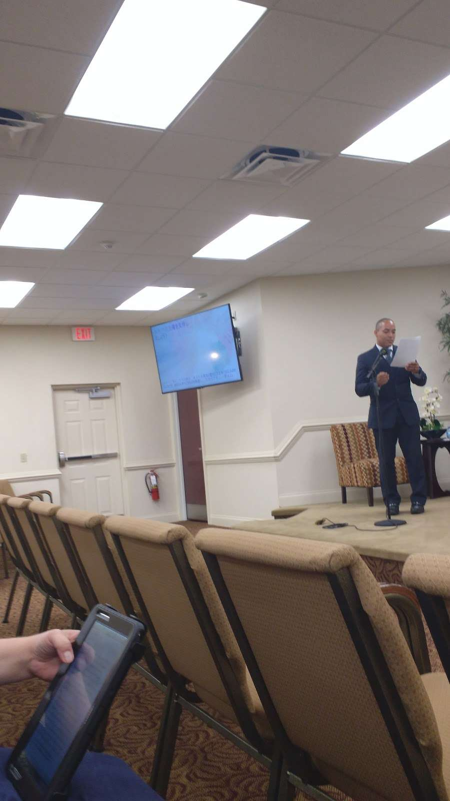 Kingdom Hall of Jehovahs Witnesses - church    Photo 2 of 8   Address: 4133 Redditt Rd, Orlando, FL 32822, USA   Phone: (407) 275-7060