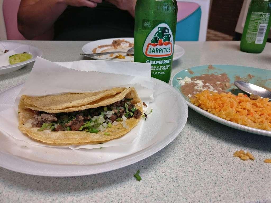 El Pueblo Mexican restaurant - restaurant  | Photo 9 of 10 | Address: 7124 Aloma Ave, Winter Park, FL 32792, USA | Phone: (407) 677-5534