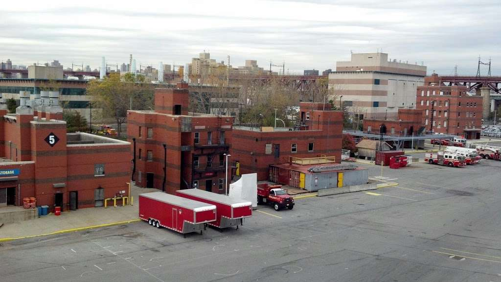 New York Fire Department Training Division - fire station  | Photo 6 of 7 | Address: 1, Berry Pl, New York, NY 10035, USA | Phone: (212) 860-9200