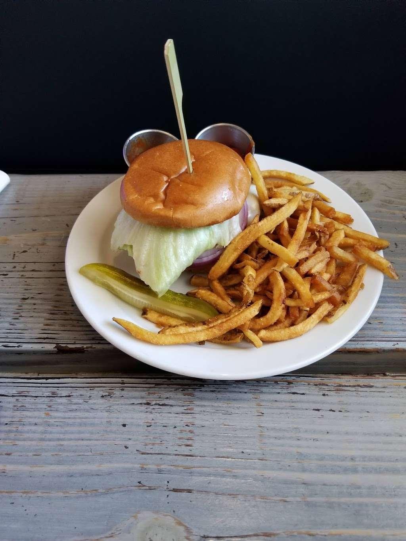 Millies Restaurant & Catering - restaurant  | Photo 9 of 10 | Address: 3218 S Atlantic Ave, Daytona Beach Shores, FL 32118, USA | Phone: (386) 275-1492