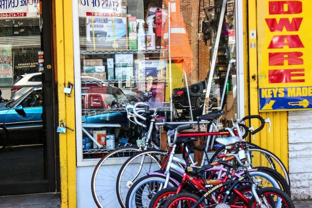 Cruz Bike Shop Taller De Bicicletas Copias De Llaves - hardware store    Photo 1 of 2   Address: 422 E 138th St, Bronx, NY 10454, USA   Phone: (929) 371-3553